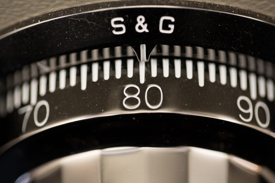 32 Photograph Numbers